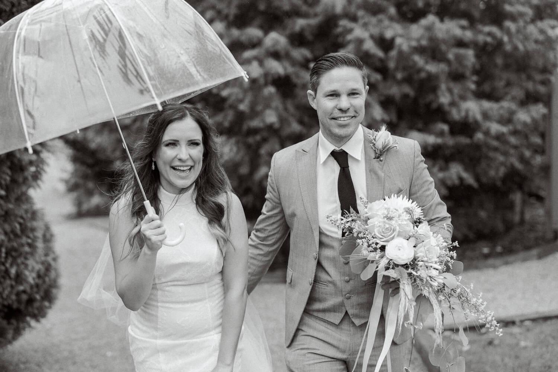 Brookfield Barn rainy wedding photos