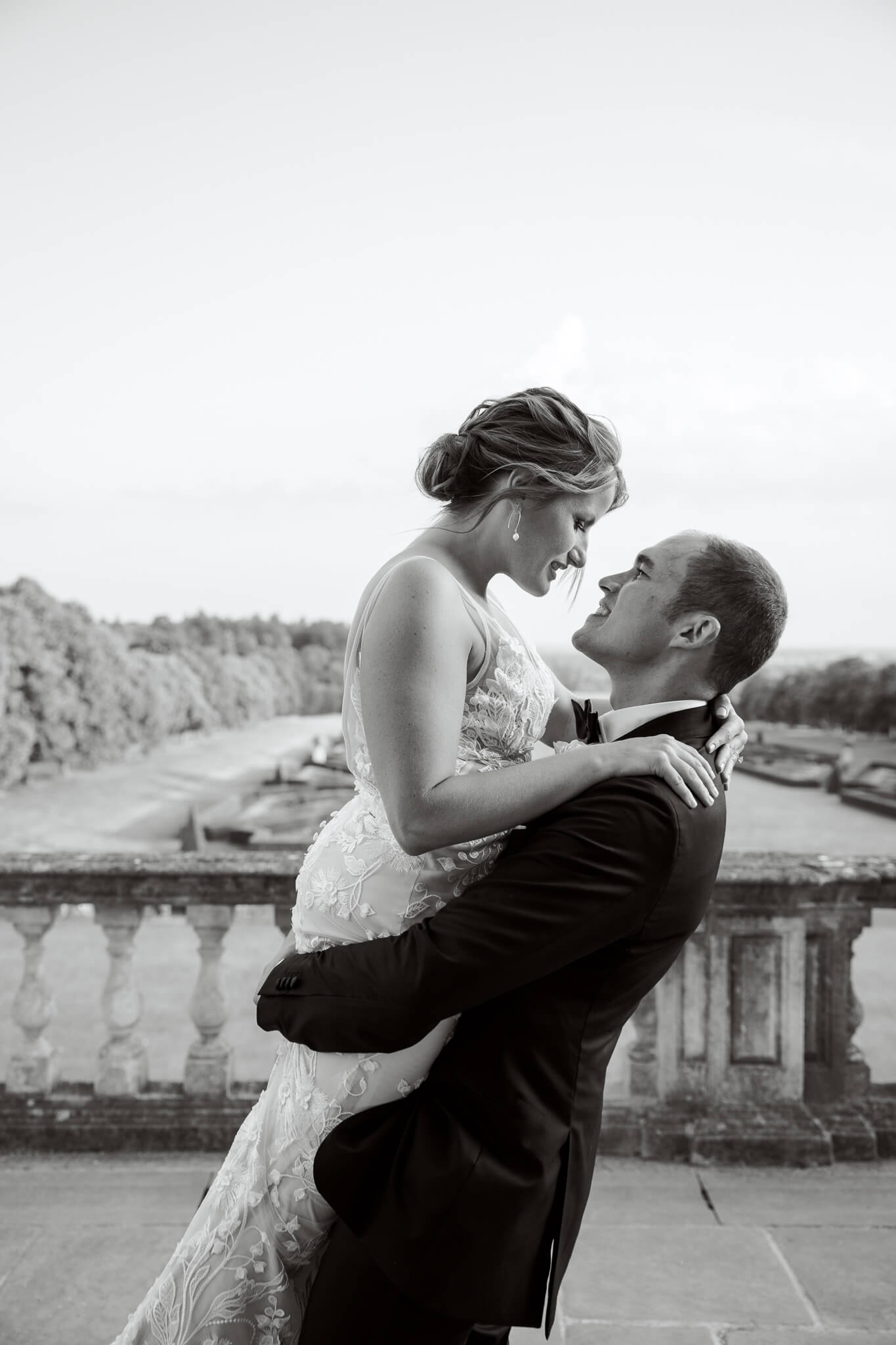 Couple portrait with Cliveden House recommended wedding photographer