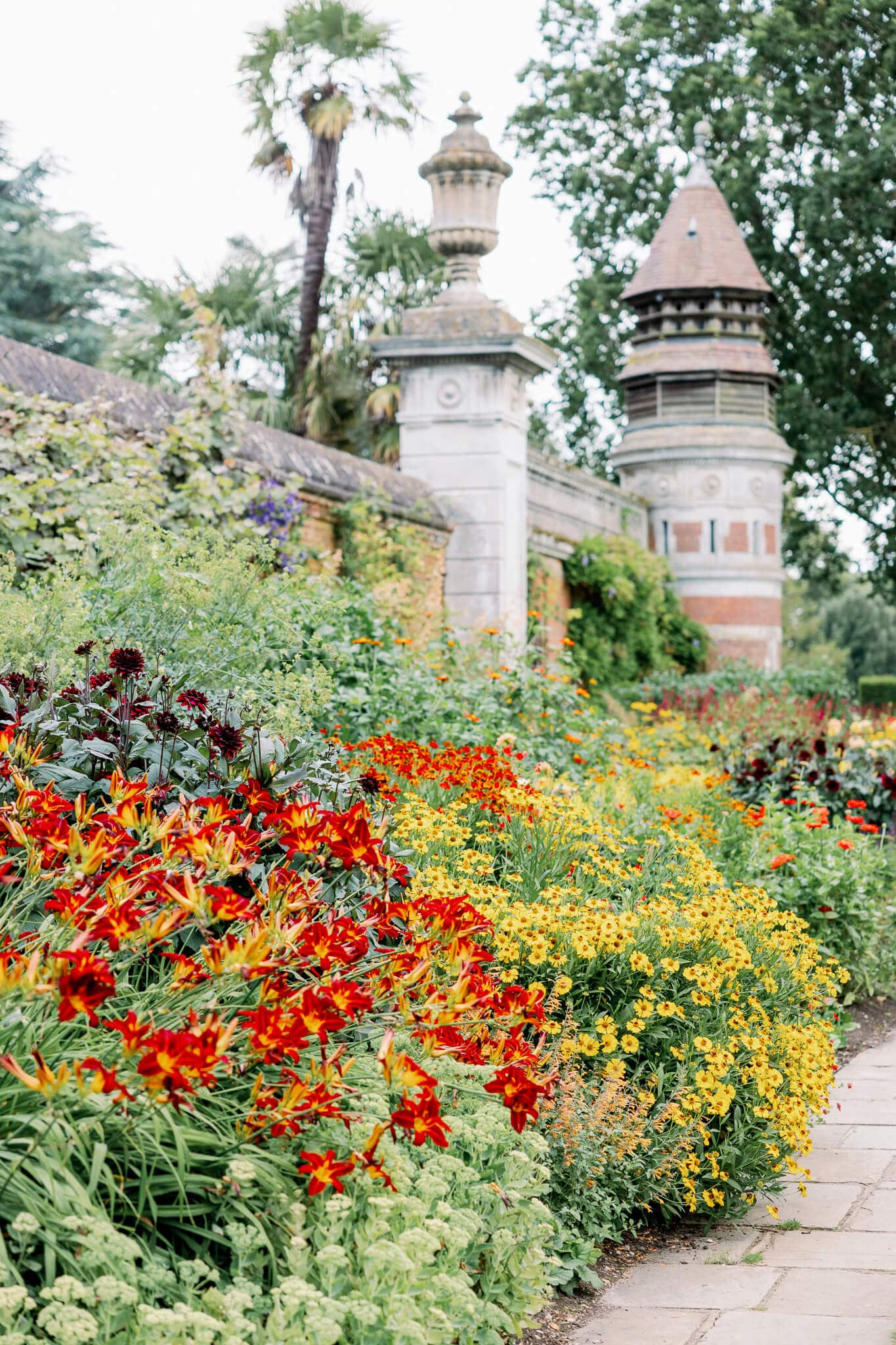 Cliveden hotel gardens | wedding photography south west london