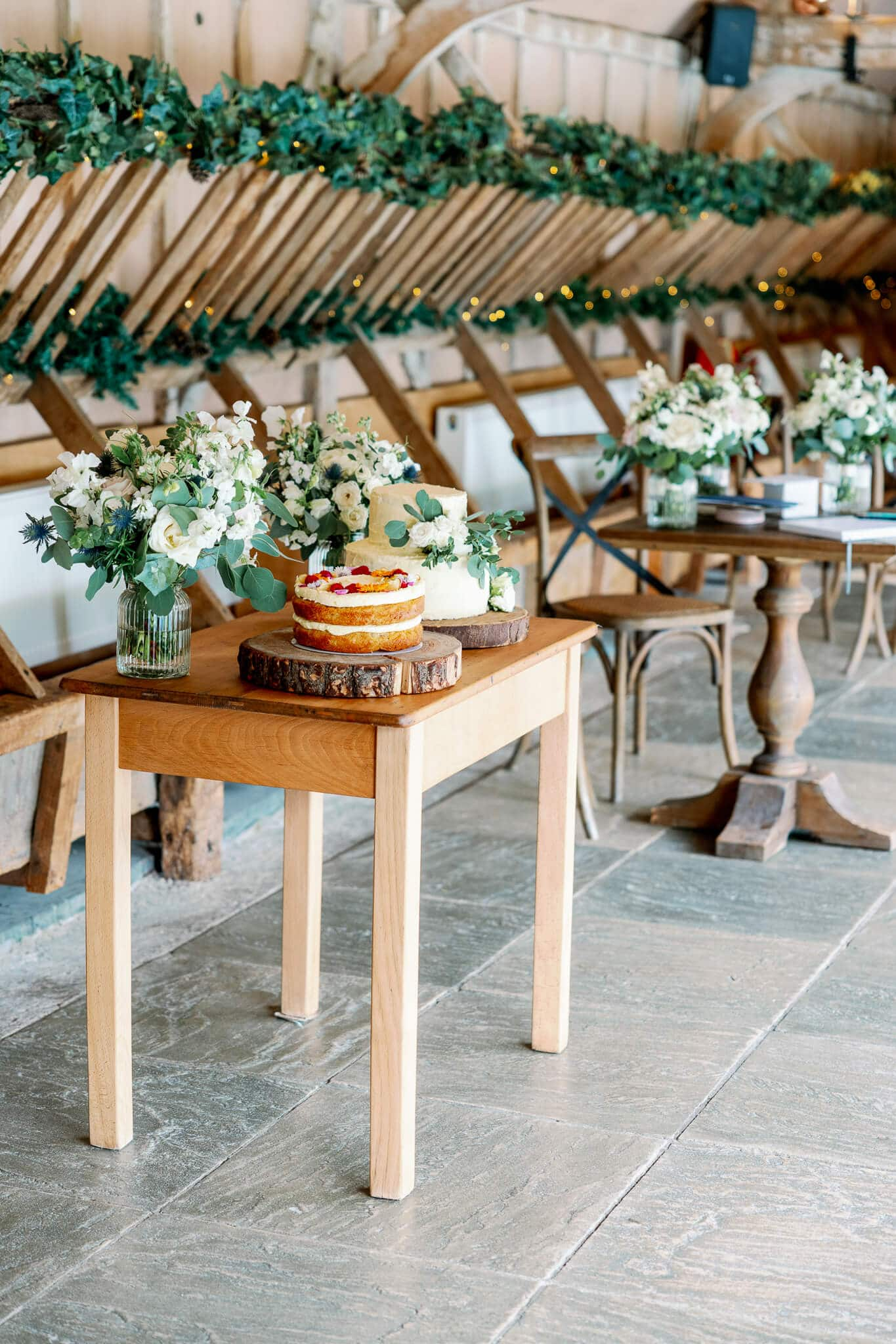 Oxford venue Lains Barn wedding cake