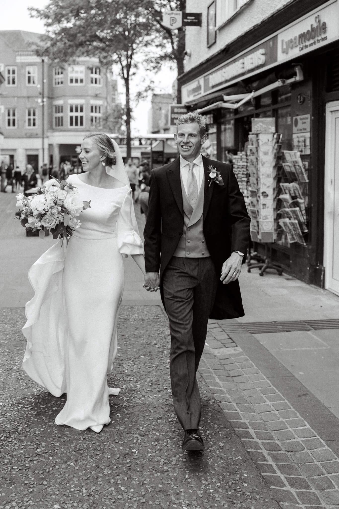 Oxford wedding photos in city centre