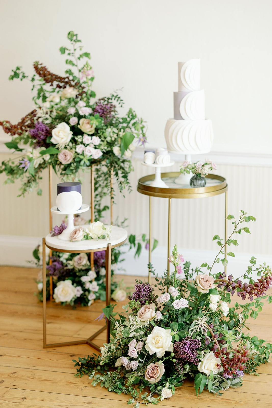 Lewes wedding photography of Iced Innovations wedding cake